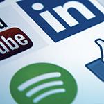 Les médias sociaux et la charte de la langue française